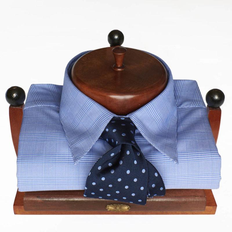 Polka dot tie cravatta pois